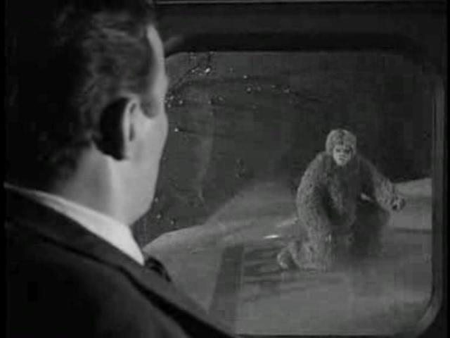 The-Twilight-Zone-Nightmare-at-20000-Feet-Bob-Wilson-12